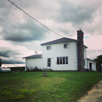 43 Acre Farm & Beautiful 4 Bedroom Home! Dbl Garage! Barn + + +!