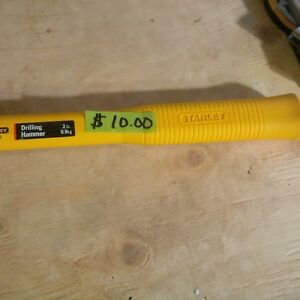 BRAND NEW STANLEY 2 POUND SLEDGE WITH FIBER HANDLE