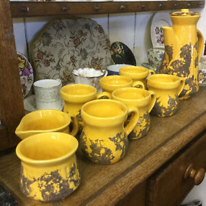 LAURENTIAN POTTERY SET, COFFEE SET FAT LAVA YELLOW 10pc.