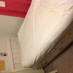 """White""  Captians Bed ,  39 inch mattress"