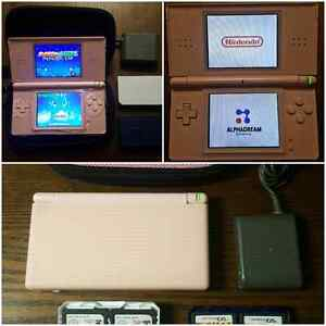 NICE NINTENDO DS LITE PACKAGE FOR GIRL / ENSEMBLE POUR FILLETTE  West Island Greater Montréal image 1