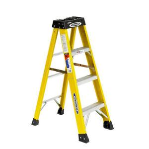 4 Ft.  300 Lbs Rating, 300 Fiberglass Step Ladder