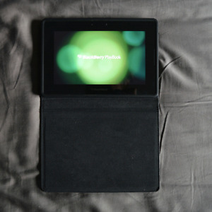 """BlackBerry Playbook 32GB 7"""" with leather case. MINT CONDITION."""
