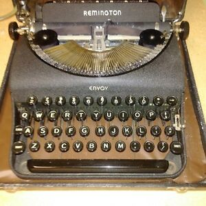 Vintage Remington Envoy Typewriter