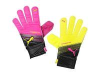 kids puma goalie / goalkeeper gloves new