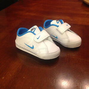 Nike First Court Tradition Shoes