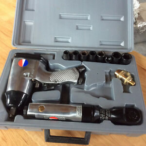 BRAND NEW DIVILBIS AT10 AIR IMPACT WRENCH AND SOCKET