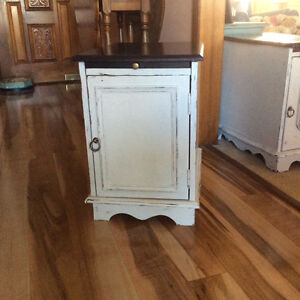Side table with pull out tray and storage compartment
