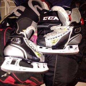 Mens size 10 Graf hockey skates