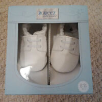 Robeez Soft Shoes - 0-6months - White - Brand New Condition