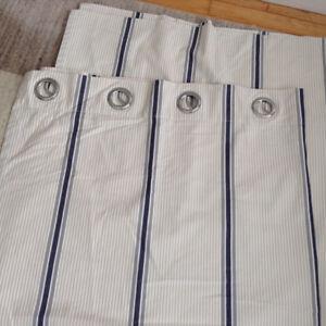 Set of 4 curtain panels