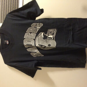 LA Raiders vintage shirt , dated 1989 . size large.