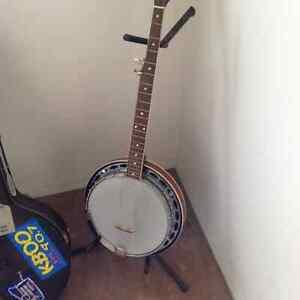 Banjo with hard case