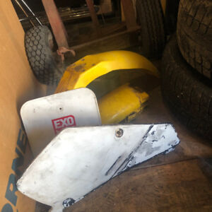 front fender, rear fender, front plate, 1 side panel rm 80 1995