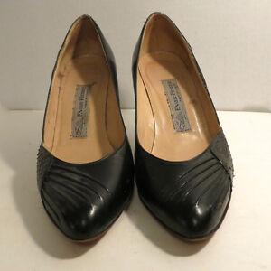 3 Pairs Woman's Shoes Snake Skin Even Piconet 7 - 8 M Black Grey Kitchener / Waterloo Kitchener Area image 3