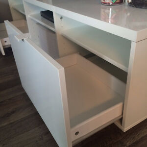 Ikea Byas TV Bench - Excellent condition. High-gloss white. Peterborough Peterborough Area image 2