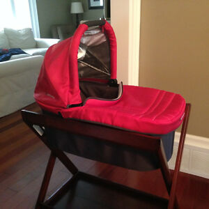UppaBaby Bassinet in Denny Red with Stand