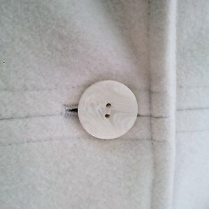 ANNE KLEIN IVORY WOOL FALL/WINTER PEA COAT - Excellent Condition London Ontario image 2