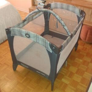 Playpen Graco with accessories