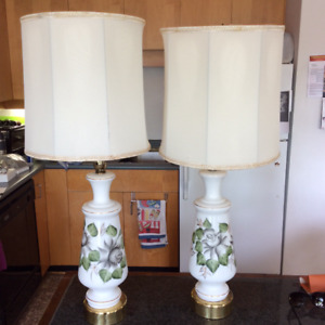 VINTAGE: GLASS TABLE LAMPS | Depicts Grey Painted Rose