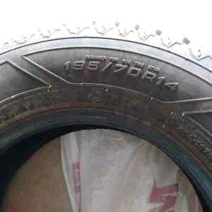 Goodyear snowtires like new
