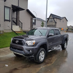 2013 Toyota Tacoma TRD w Backup Cam - Original Owner Low KM