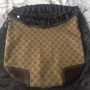 Gucci Hobo for sale (see pics)