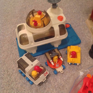 Toys Age 2 - 8 $45.00 package deal Kingston Kingston Area image 4