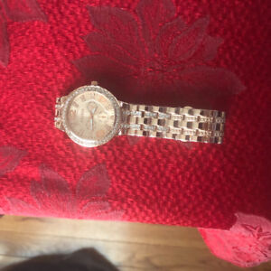 BEAUTIFUL LADIES WATCH SILVER COVERED WITH PINK GOLD BRAND NEW