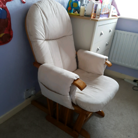 Tutti Bambini GC35 Nursing / Recliner chair with footstool