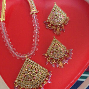 BEAUTIFUL NECLACE AND EARRINGS!
