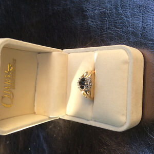 Sapphire and diamond 10 Kt gold ring