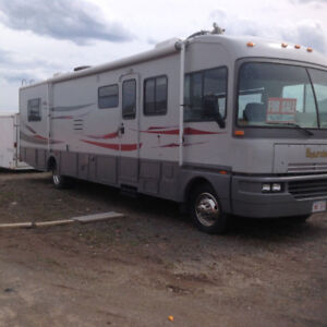 1993 Fleetwood Bounder RV.......... REDUCED PRICE