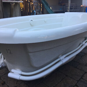 Jacuzzi tub with the motor pump