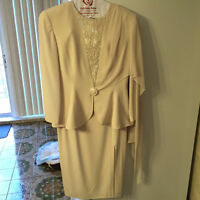 ROBES DE SOIREE SIZE 6 & 14 LIKE NEW