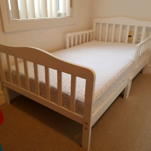 Toddler bed and Mattress for Sale!