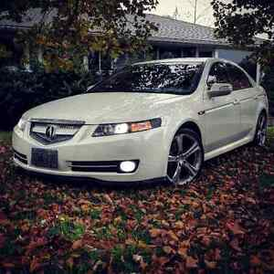 "2007 acura tls *159,000km* 18"" summer and Winters with 85% tread"
