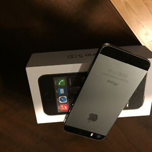 iPhone 5s - 16Gb Silver Windsor Region Ontario image 3