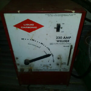 Liquid Carbonic 230 AMP welder. No accessories, just the box.