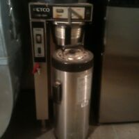 Fetco Coffee maker with 2 Luxus thermoses