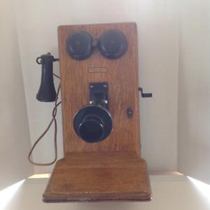 Téléphone antique