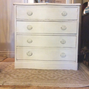 Beautiful And Unique Four Dove Tail Drawers Dresser