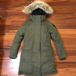 100% Authentic Nobis Merideth in Moss Green XS with tags