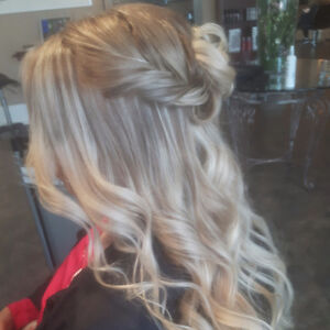 HAIR STYLIST !!! 15%!!!  Hair Coloring and Styling Appointments!