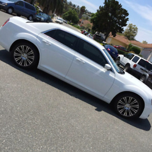 Chrysler 300S Safety Tested!!! Financing Available!!!!!