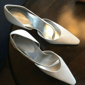 Brand new Enzio Angiolini Shoes: priced for quick sale