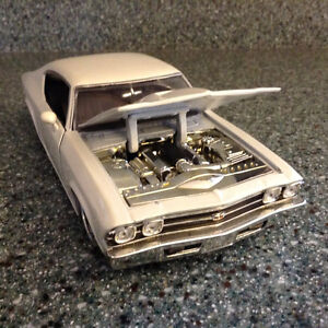 FOR SALE:  1969  CHEVELLE  S.S.  1:24 scale  DIECAST CAR