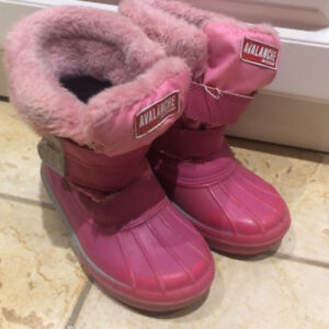 Brand Avalanche Girls snow boots