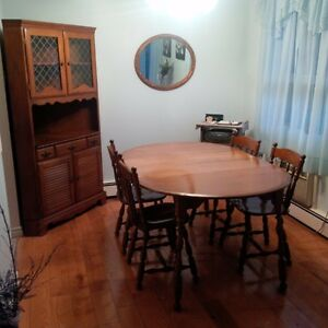 Maple table, 4 chairs and corner hutch