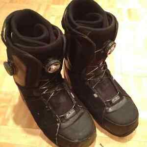 FREE --- FLOW (The One) boots men's size 9 --- FREE